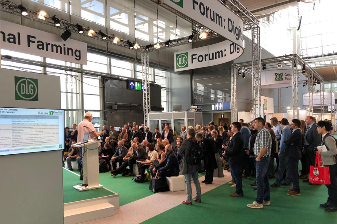 [Translate to Englisch:] Zuschauer beim Forum Digital Animal Farming